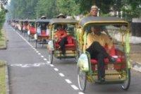 jalan-jalan naik becak